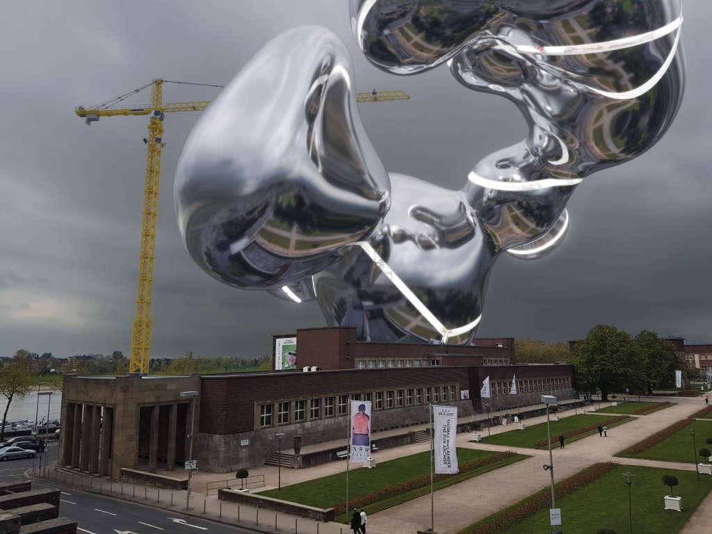 Virtueller Anbau des NRW Forums über dem Ausstellungshaus schwebend mit Spiegelungen des Ehrenhofs auf der reflektierenden Oberfläche